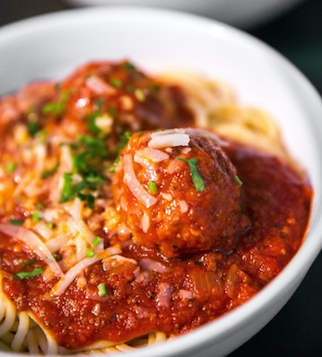 SPAGHETTI WITH MEATBALLS & MUSHROOMS